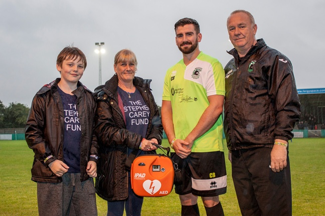 Blyth Spartans receive defibrillator from The Stephen Carey Fund