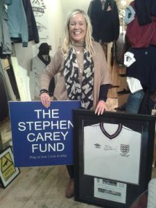 Lisa Aynsley of Hotspur 1364 - secret auction for signed Peter Beardsley 1986 England shirt